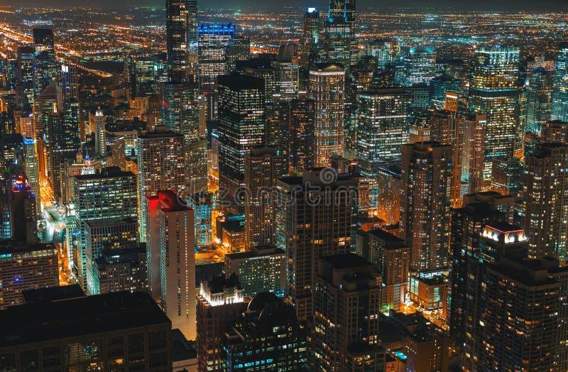 芝加哥摩天大楼在晚上 图库摄影