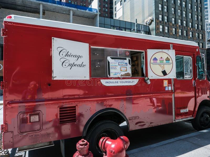 芝加哥杯形蛋糕在密执安大道的供营商卡车 库存照片