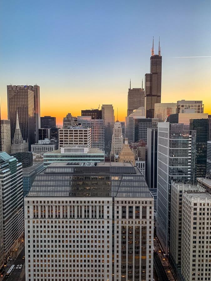 芝加哥都市风景惊人鸟瞰图在日落的 免版税库存图片