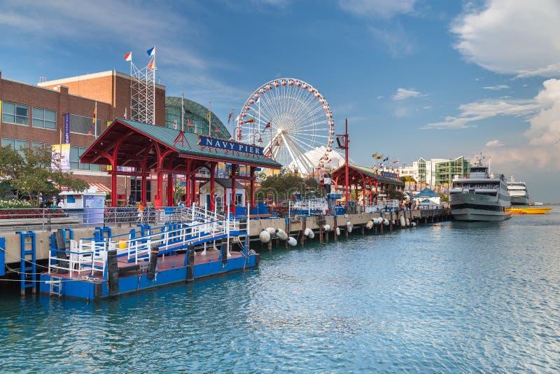 芝加哥, IL/USA -大约2015年7月:海军码头在芝加哥,伊利诺伊 库存图片