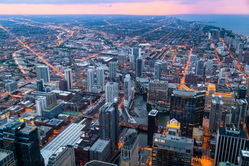 芝加哥, IL/USA -大约2015年7月:街市芝加哥看法从威利斯塔的 免版税图库摄影