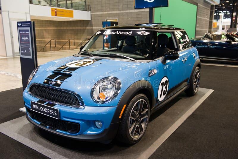 Download 微型在芝加哥车展 编辑类照片. 图片 包括有 协定, automatics, 微型, 北部, 蓝色, 显示 - 30328766
