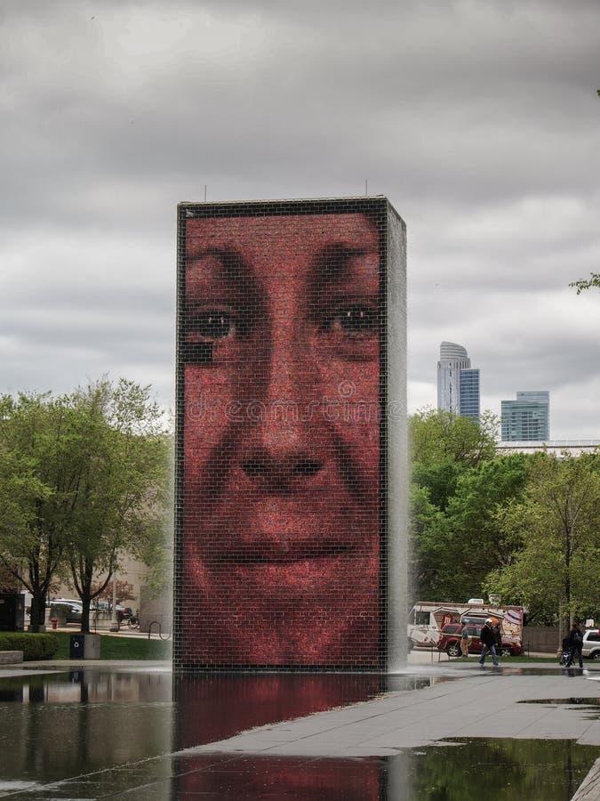 芝加哥-美国-由艺术家豪梅Plensa的冠喷泉在千禧公园 库存照片