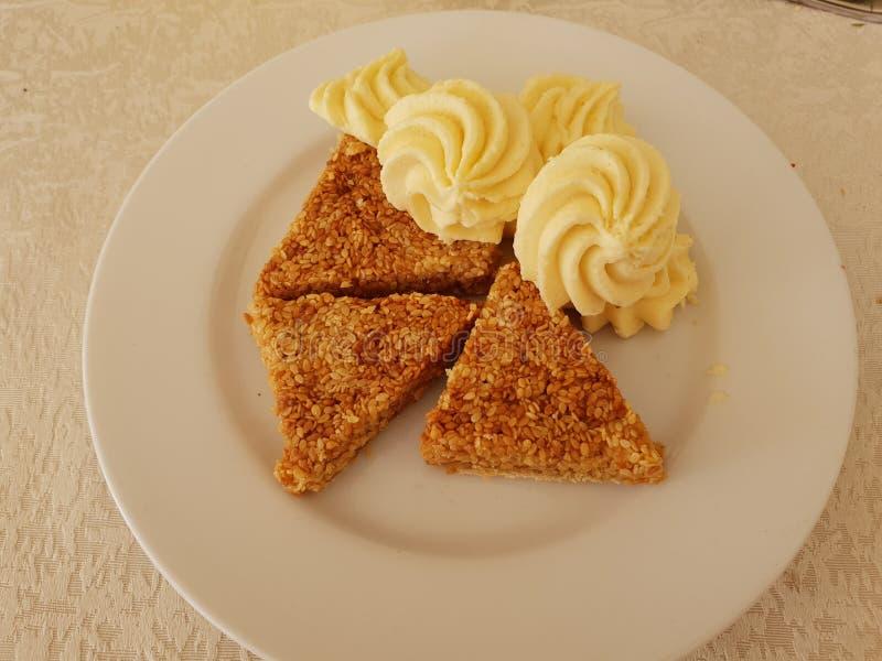 芝麻蛋糕 免版税库存图片
