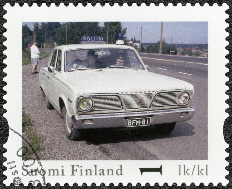 芬兰- 2013年:展示英勇的普利茅斯,系列芬兰正式葡萄酒警车 库存照片