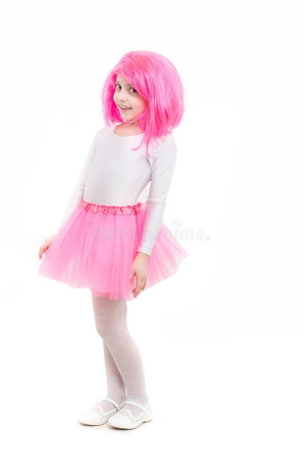 芭蕾和艺术 在白色背景隔绝的假发的孩子 秀丽和方式 童年和幸福 桃红色裙子的小女孩t 免版税库存图片