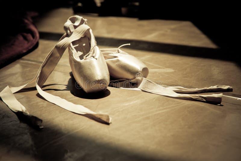 芭蕾拖鞋 免版税图库摄影