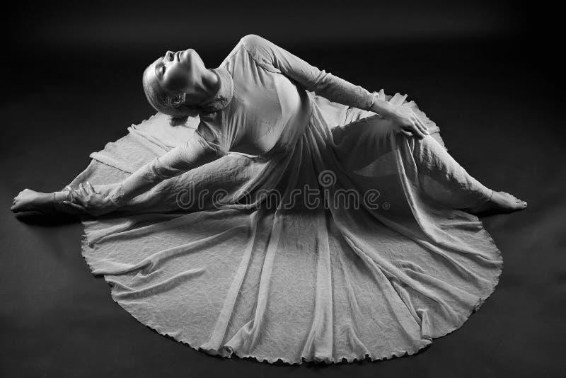 芭蕾舞女演员美丽的女孩 库存照片