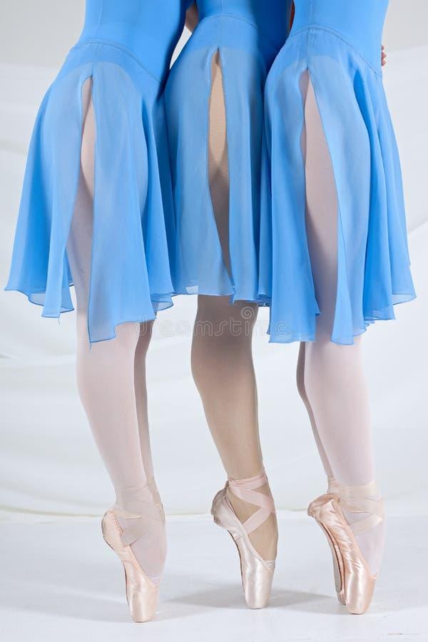 芭蕾舞女演员跳舞 免版税库存图片