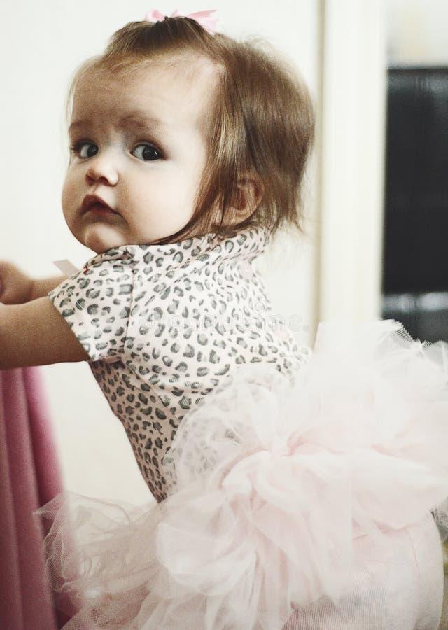 芭蕾舞短裙的女孩 免版税库存图片