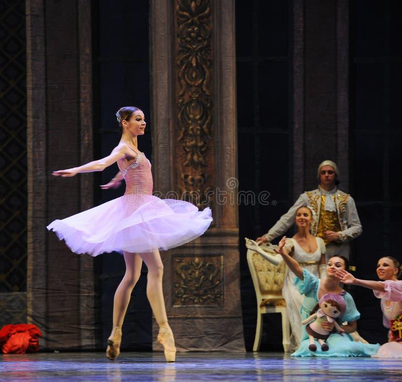 芭蕾飞行裙子这芭蕾胡桃钳 免版税库存照片
