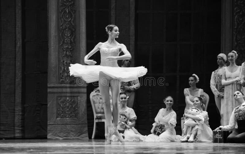 芭蕾飞行裙子这芭蕾胡桃钳 库存图片
