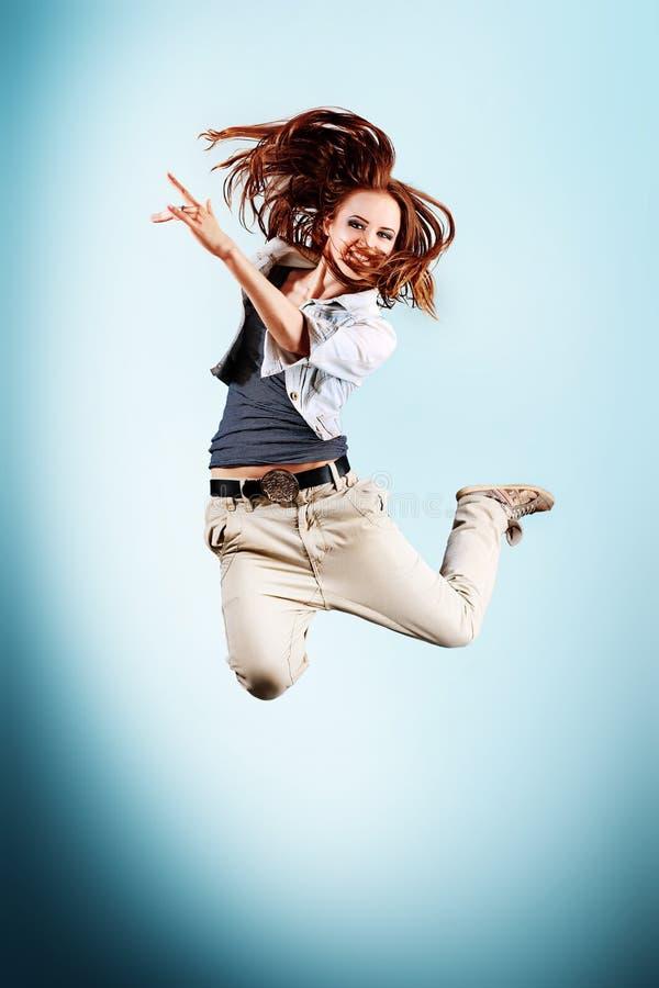 Download 芭蕾 库存照片. 图片 包括有 蛇麻草, 成人, 自由式, 活动家, 舞蹈, beautifuler, 背包 - 22355518
