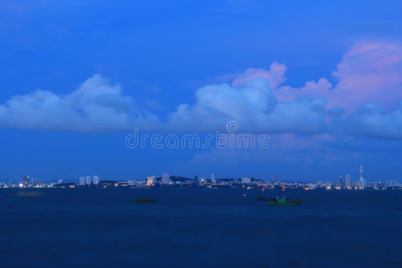 芭达亚泰国夜视图  免版税库存图片