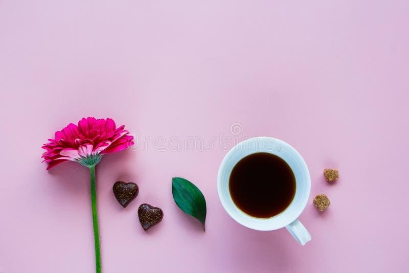 花、咖啡和巧克力 图库摄影