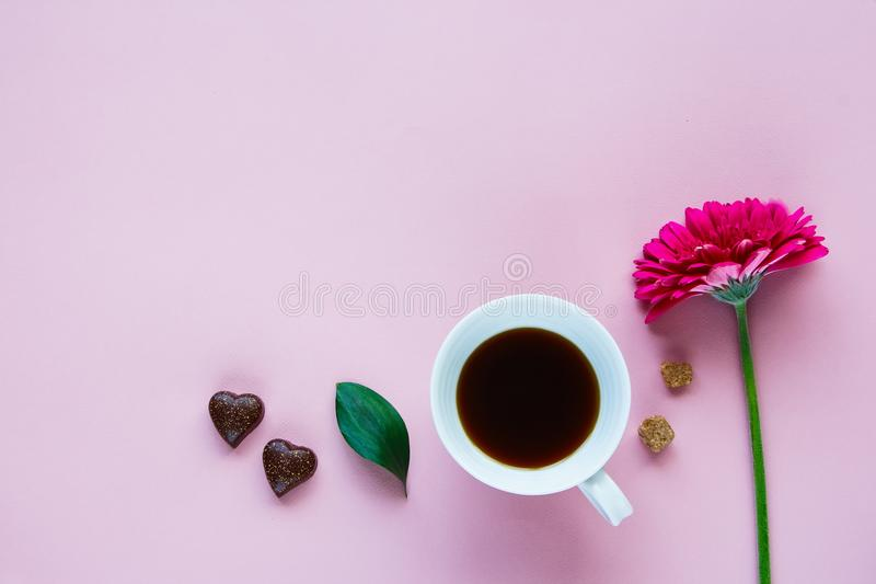 花、咖啡和巧克力 库存照片