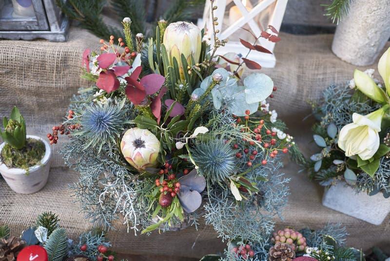 花卉圣诞节装饰 免版税库存照片