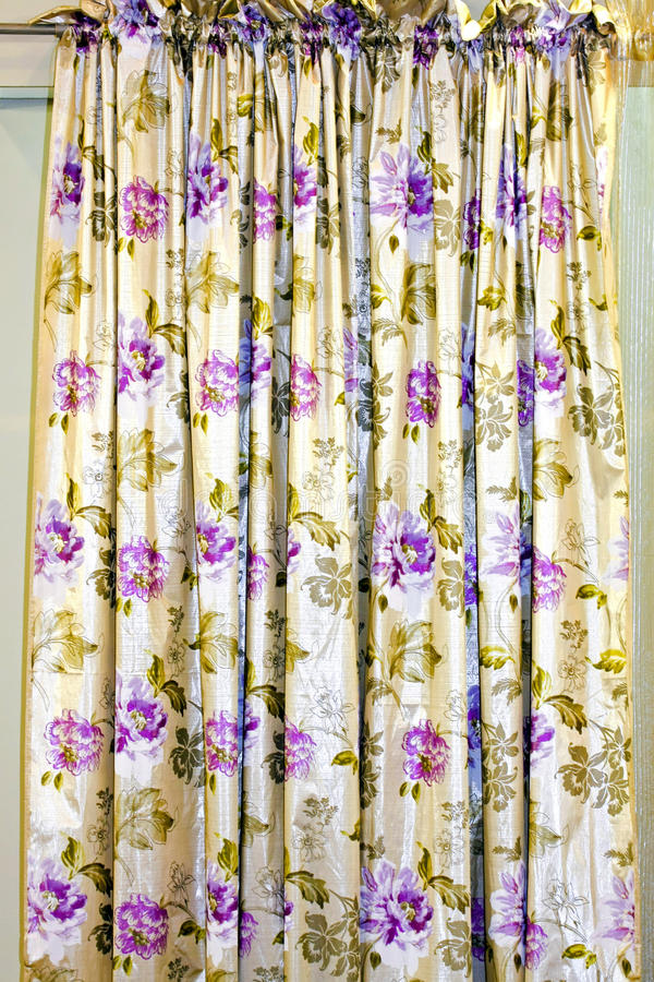 花卉窗帘 免版税图库摄影