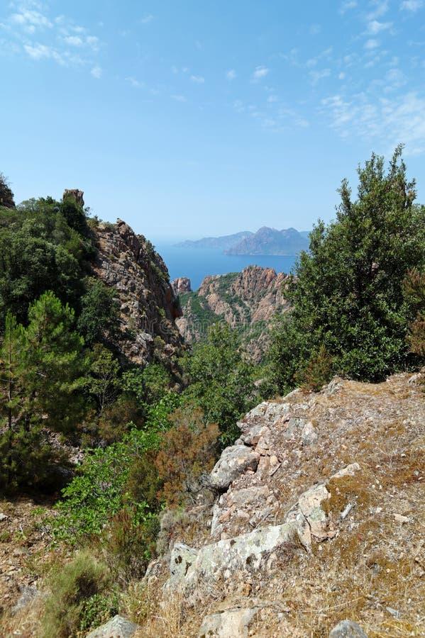 花岗岩在可西嘉岛海岛西部海岸晃动  库存照片