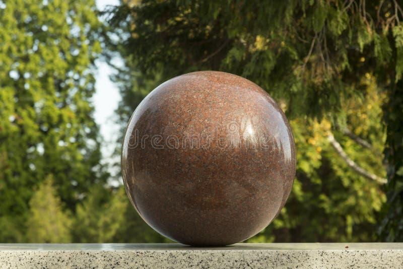 花岗岩球形球 免版税库存照片
