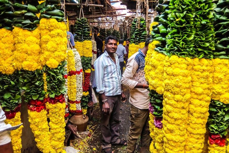花市场在Tiruvannamalai,印度 免版税库存照片