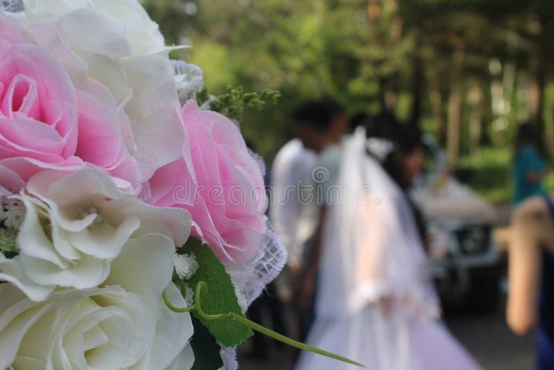 花束新娘新娘新郎现有量 图库摄影