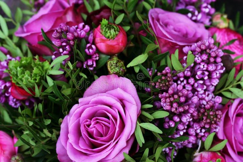 花束紫色浪漫玫瑰 库存照片