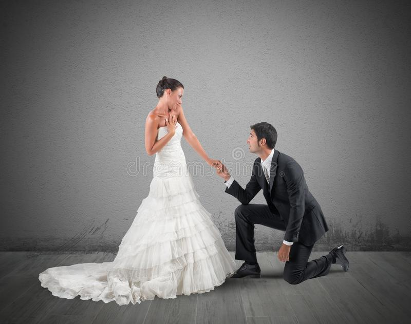 花束金刚石订婚结婚提议环形玫瑰 库存图片