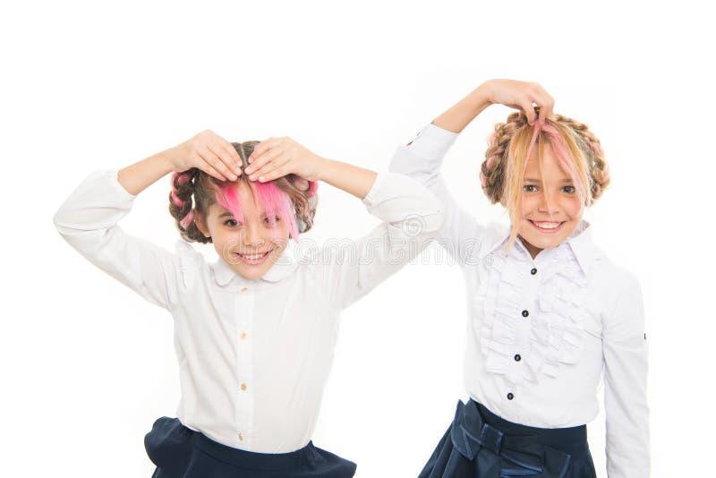 花梢发型 称呼滑稽的发型的逗人喜爱的小孩隔绝在白色 有长的可爱的小女孩 免版税库存照片
