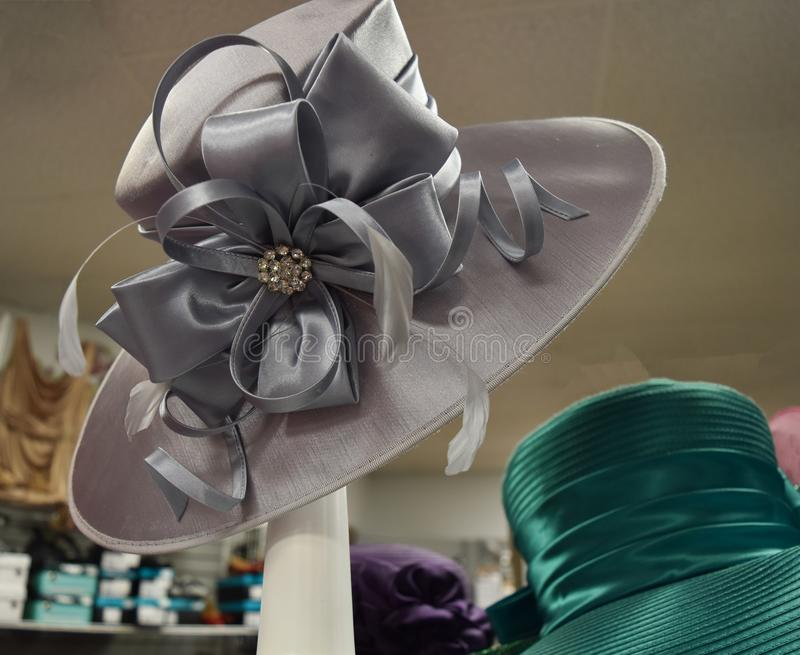 花梢帽子为德比天 库存图片