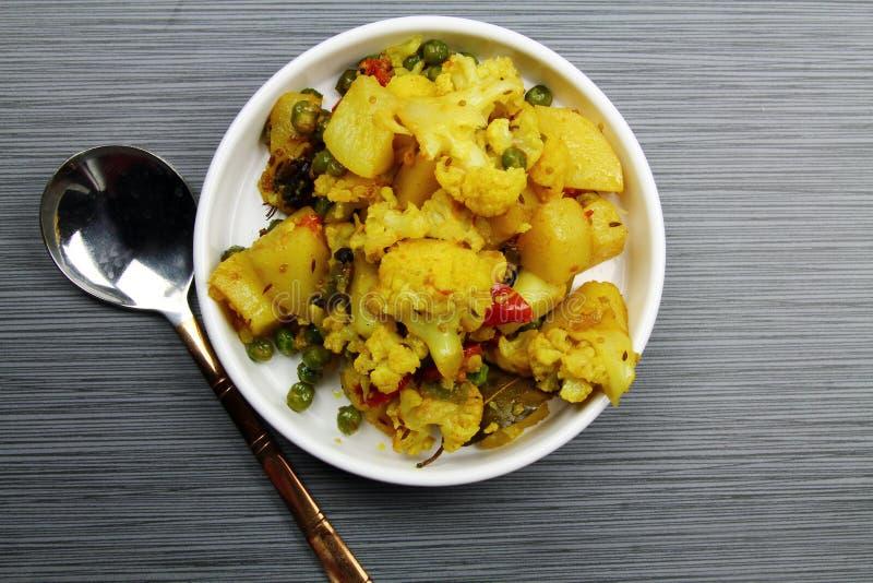 花椰菜和土豆咖喱 免版税图库摄影
