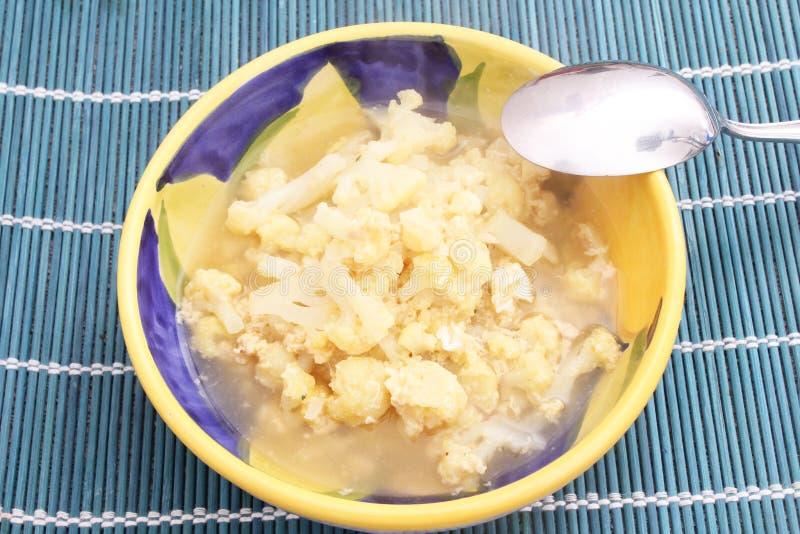 花椰菜新鲜的炖煮的食物  免版税图库摄影