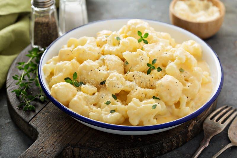 花椰菜用乳酪调味料 免版税库存照片