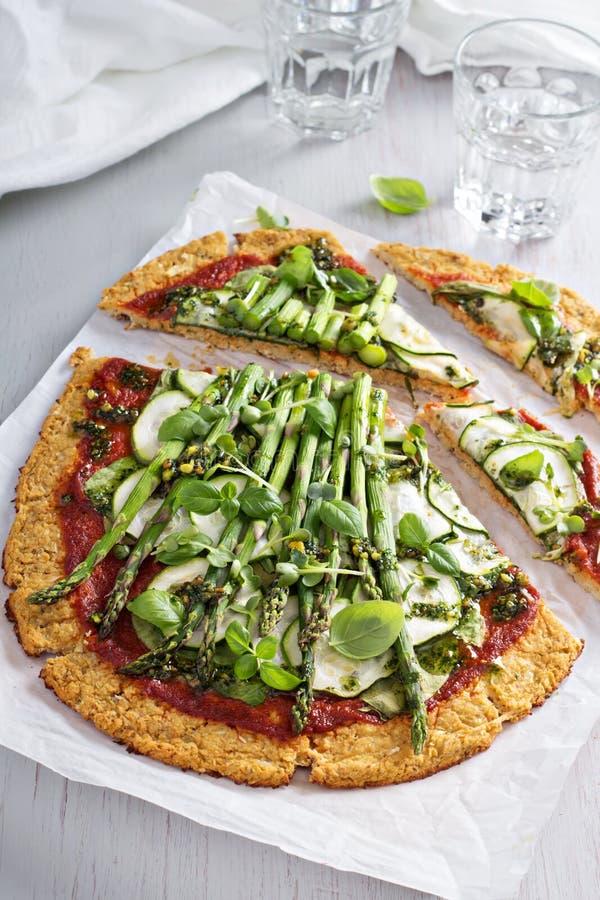 花椰菜薄饼用夏南瓜和芦笋 库存图片