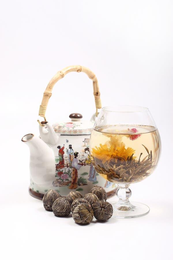 花玻璃绿茶茶壶 免版税图库摄影