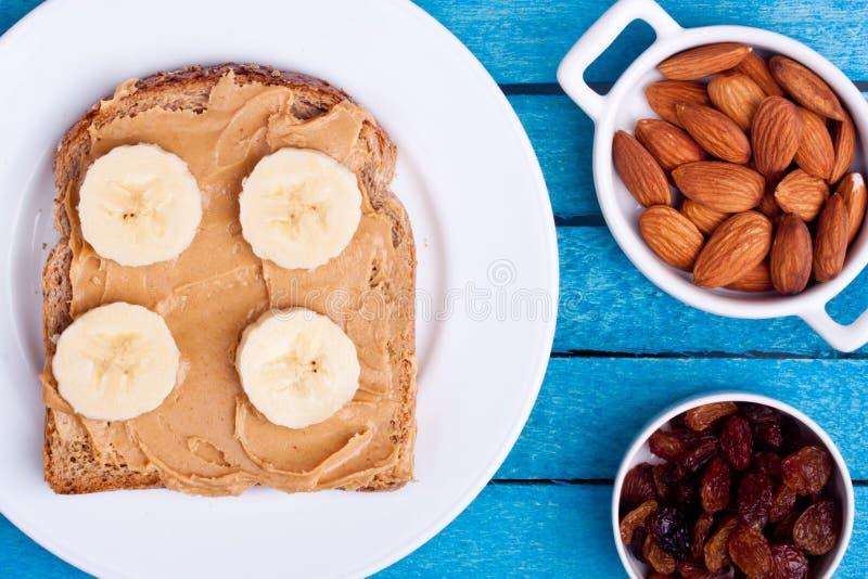 花生酱面包和香蕉 免版税库存照片