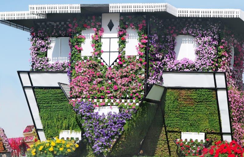花议院在花村庄在公园迪拜奇迹庭院里 图库摄影