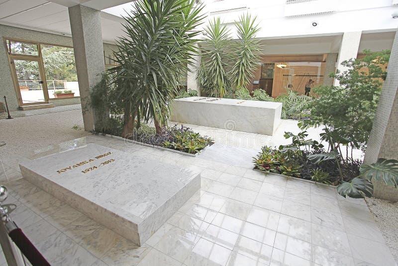 花议院,约瑟普・布罗兹・铁托陵墓在贝尔格莱德,塞尔维亚 免版税图库摄影