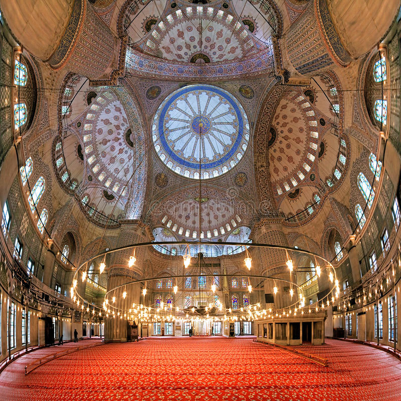 苏丹阿哈迈德清真寺的内部在伊斯坦布尔,土耳其 免版税库存图片