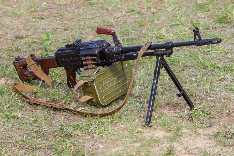 苏俄军队工程师卡拉什尼科夫的自动机枪 库存图片