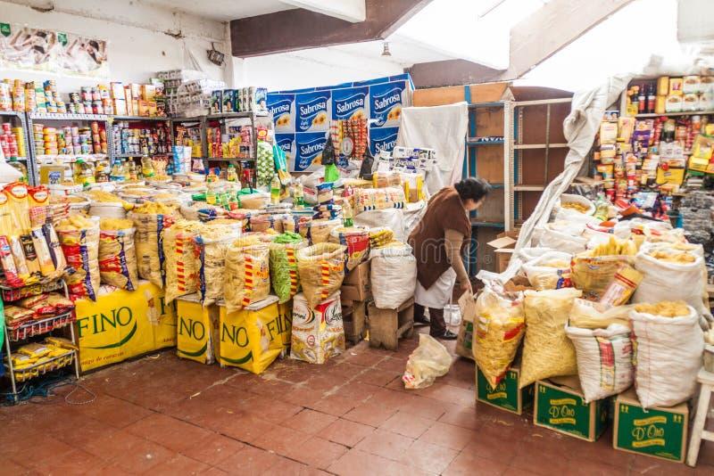 苏克雷,玻利维亚- 2015年4月21日:排档在市场上在苏克雷,Boliv 免版税库存照片