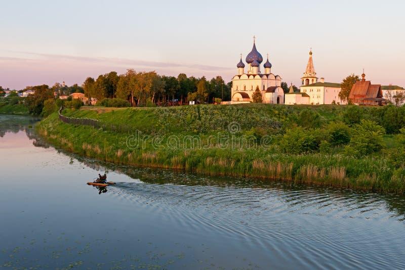 苏兹达尔镇风景 苏兹达尔是俄罗斯路线,著名旅行目的地金黄圆环的宝石  免版税库存图片
