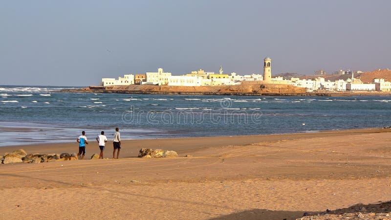苏尔,阿曼:Ayjah看法从苏尔主要海滩的  图库摄影