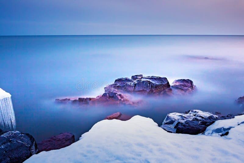 苏必利尔湖冬天 免版税库存照片