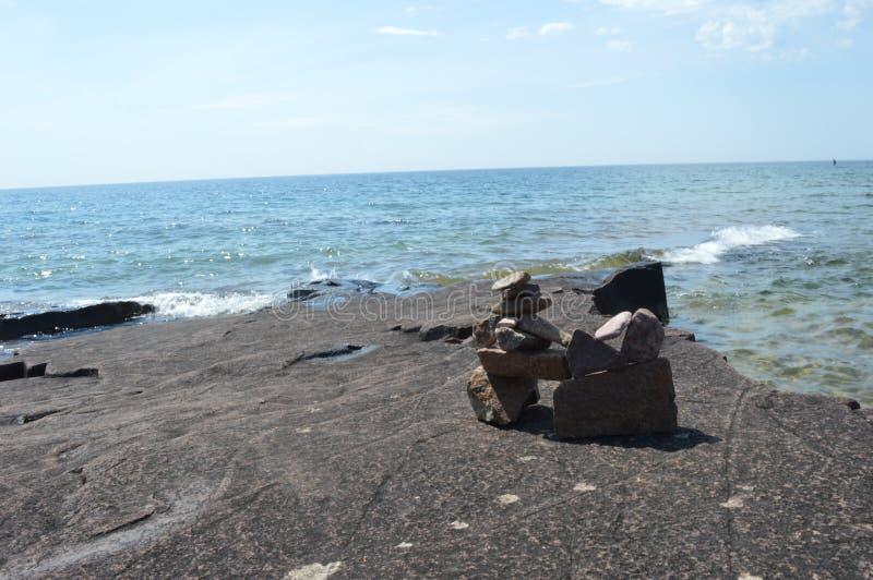 苏必利尔湖畔海岸线 免版税库存照片