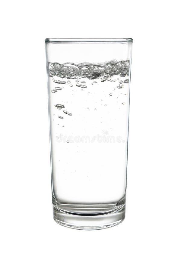 苏打水或苏打水在highball或用大杯喝的饮料玻璃是 库存照片