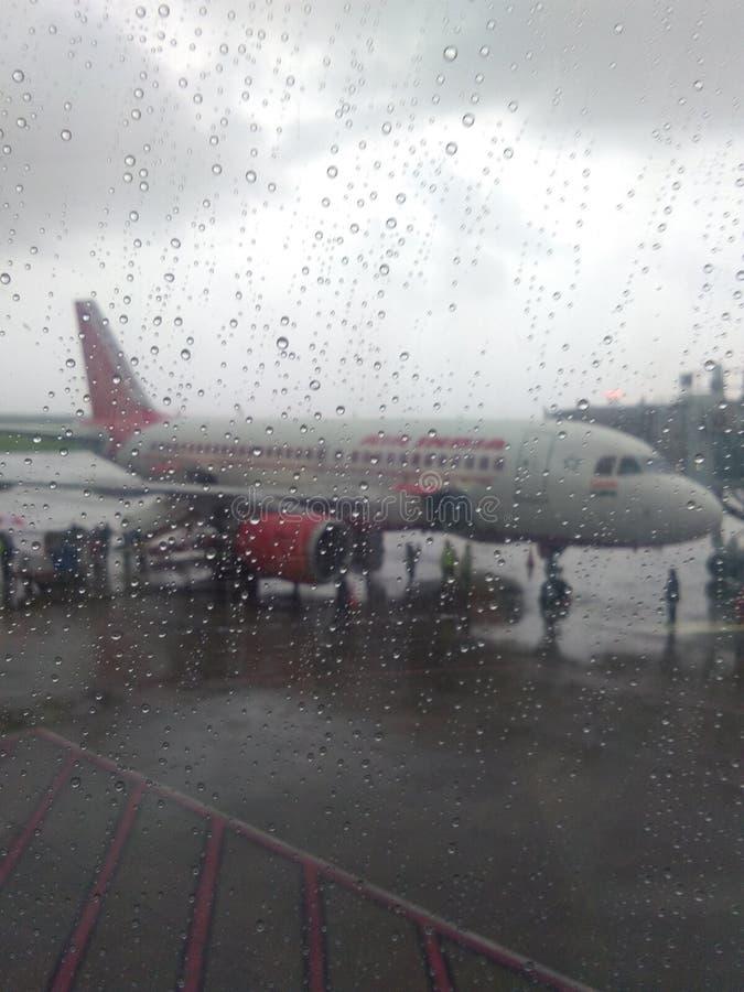 苏拉特gujrat印度早晨雨季机场  免版税图库摄影