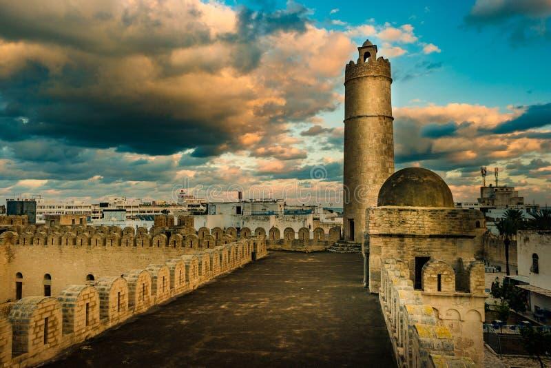 从苏斯Ribat堡垒的墙壁的看法在突尼斯 库存图片