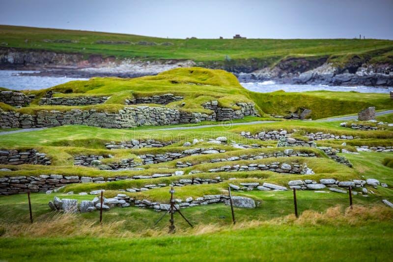 苏格兰,设得兰群岛,Jarlshof是最响誉的史前考古学站点在舍德兰群岛,苏格兰 它在附近说谎 库存图片