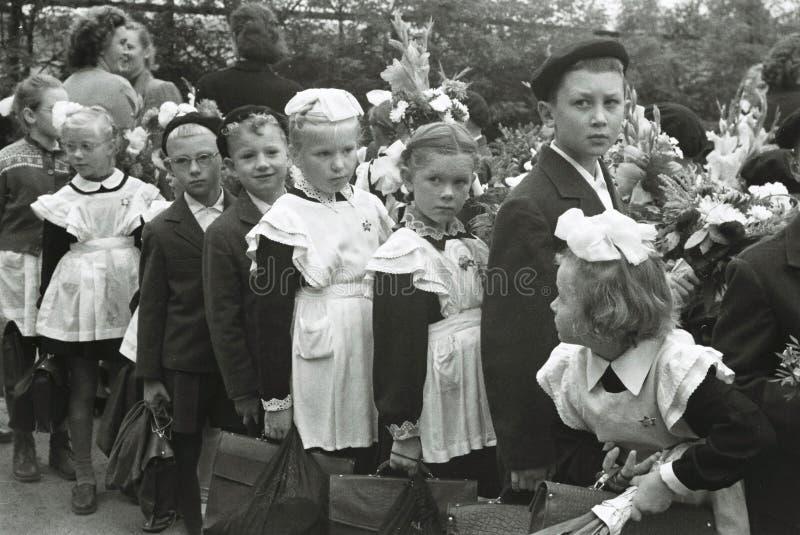 苏联小学生的葡萄酒照片 免版税库存图片